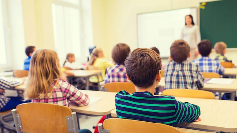 Crianças na escola na Espanha